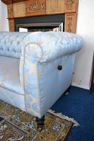 Antique Dropend Chesterfield-2