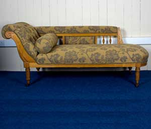 Gold-Victorian-Chaise-Longue