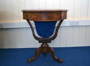 Walnut-Work-Table