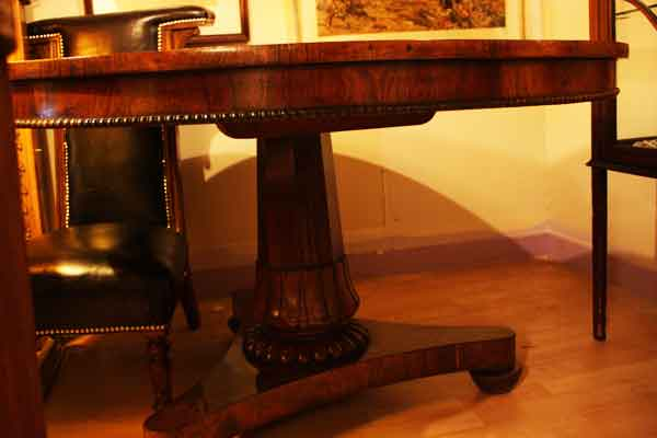 AntiqueTilting-Dining-Table-Hythe-Kent-2