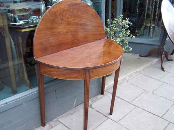 Card-Table-round Ashford-Kent