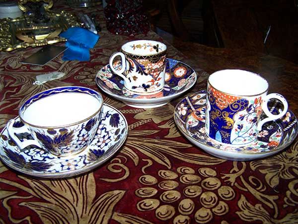Anthony-Charles-Antiques-Hythe-Kent-Crown-Derby-Cups-and-Saucers-4