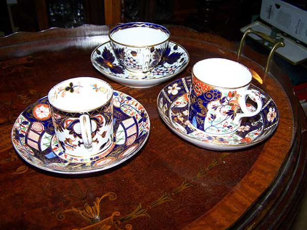 Anthony-Charles-Antiques-Hythe-Kent-Crown-Derby-Cups-and-Saucers